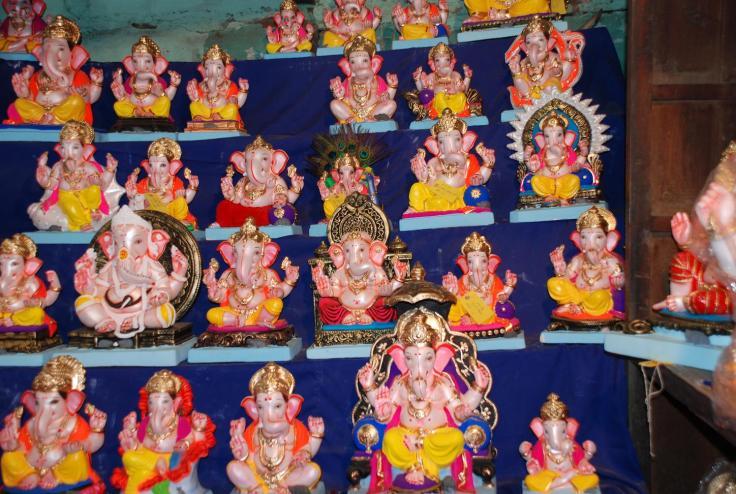 Ganapati Idols shop.JPG