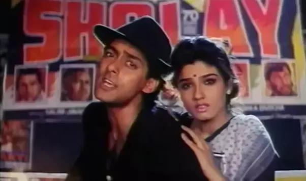 Kabhi Tu Chhalia Lagta Hai